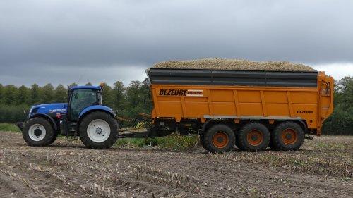 Ooms uit Brecht met Dezeure. Geplaatst door XC 70 op 28-09-2018 om 16:31:06, op TractorFan.nl - de nummer 1 tractor foto website.