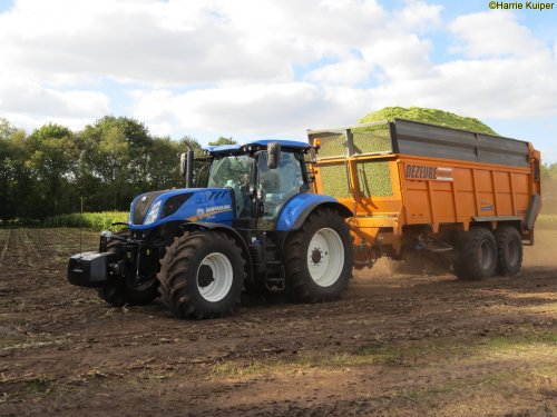 New Holland T 7.245 van oldtimergek