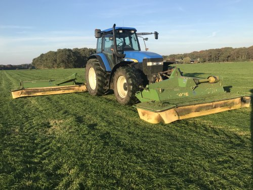 New Holland TM 140 van bernard-vant-klooster