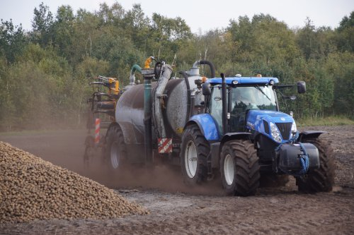 New Holland T 7.220 van jans-eising