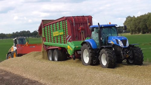 New Holland T 7030 van joop2