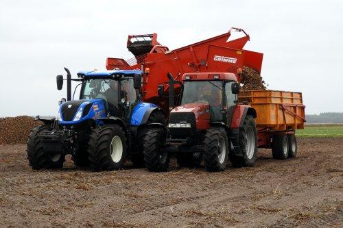 Aardappels rooien door Bouwhuis Den Ham  https://youtu.be/olbJbsMJop8. Geplaatst door pekkerietfan op 01-12-2018 om 22:15:01, op TractorFan.nl - de nummer 1 tractor foto website.