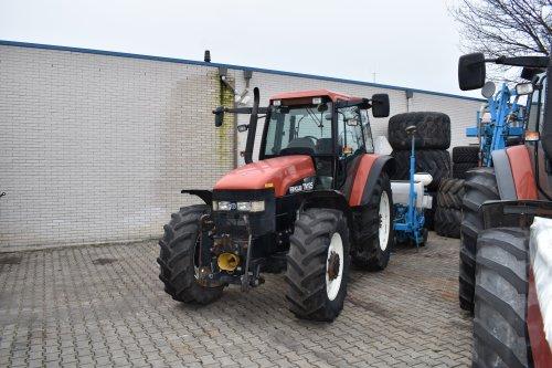 Foto van een New Holland TM 125. Geplaatst door jordi 1455 op 27-01-2019 om 22:56:15, op TractorFan.nl - de nummer 1 tractor foto website.