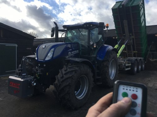 New Holland T 7.230 van B - W