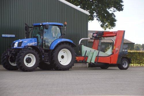 Foto van een New Holland T 6.140. Geplaatst door jans-eising op 11-02-2019 om 19:53:01, op TractorFan.nl - de nummer 1 tractor foto website.