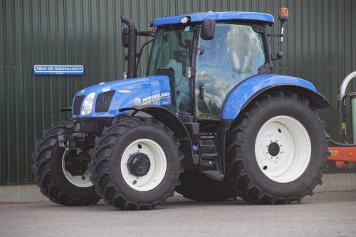 Foto van een New Holland T 6.140. Geplaatst door jans-eising op 11-02-2019 om 19:53:07, op TractorFan.nl - de nummer 1 tractor foto website.