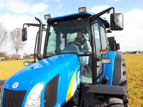 New Holland TL 100 A van tombo