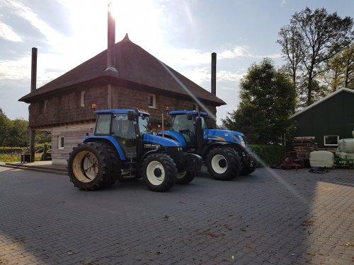 Foto van een New Holland TS90 en T7030, afgelopen weekend meegedaan aan de trekkertrek in Penninkskotten. 5.5 ton en de 11 ton