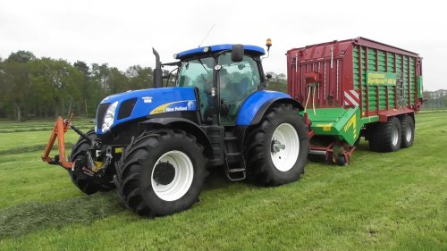 New Holland T 7030 van joop2