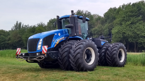 New Holland T 9.700 van JD3010