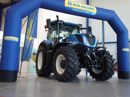 New Holland T 7.165 van fly4fun
