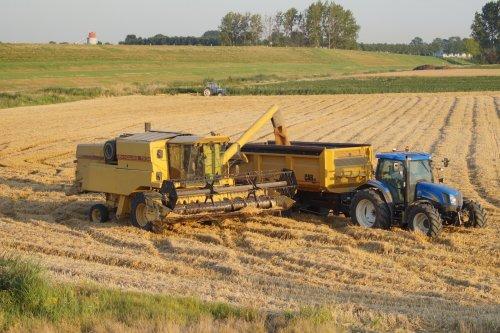 Foto van een New Holland TX 34. Geplaatst door joey-bertram op 30-07-2019 om 13:19:53, op TractorFan.nl - de nummer 1 tractor foto website.