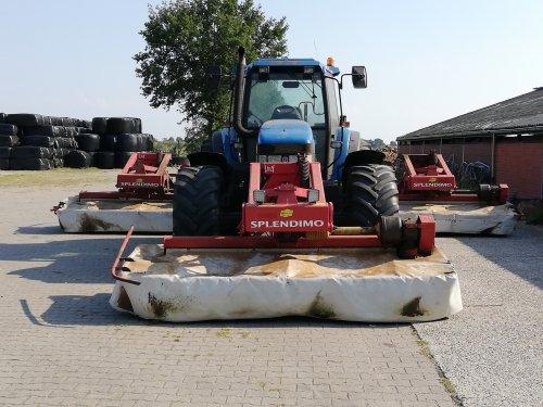 Foto van een New Holland 8560. Geplaatst door steyr power op 28-08-2019 om 20:25:06, op TractorFan.nl - de nummer 1 tractor foto website.