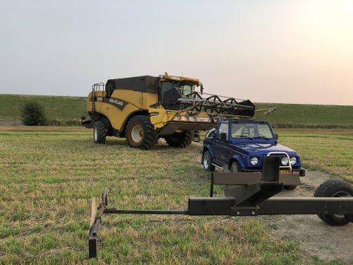 Foto van een New Holland CX 860. Geplaatst door 63ermajor op 08-09-2019 om 19:37:44, op TractorFan.nl - de nummer 1 tractor foto website.