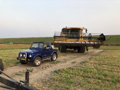 Foto van een New Holland CX 860. Geplaatst door 63ermajor op 08-09-2019 om 19:37:46, op TractorFan.nl - de nummer 1 tractor foto website.