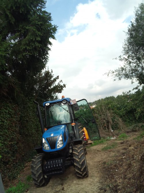 New Holland T 4.85 van Majorpower