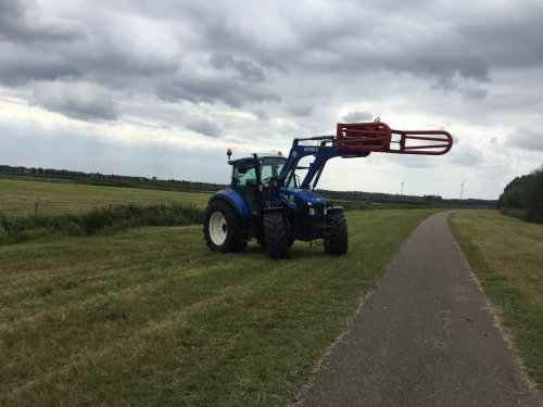 New Holland T 5.105 van tommy6610