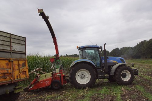 New Holland T 7030 van jans-eising
