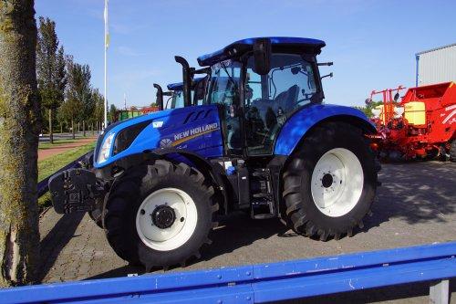 Foto van een New Holland T 6.145. Geplaatst door jans-eising op 13-10-2019 om 19:44:28, op TractorFan.nl - de nummer 1 tractor foto website.
