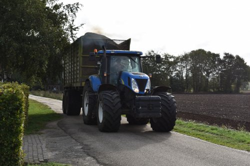 New Holland T 7030 van jordi 1455