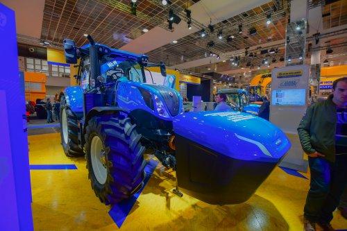 New Holland T 6.180 op methaan gas. Geplaatst door jd7920 op 10-12-2019 om 13:45:26, op TractorFan.nl - de nummer 1 tractor foto website.