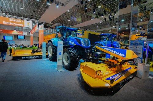 New Holland T 7.270. Geplaatst door jd7920 op 10-12-2019 om 13:45:28, op TractorFan.nl - de nummer 1 tractor foto website.