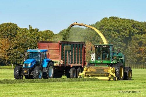 Foto van een New Holland T 7550. Geplaatst door Stef IH op 21-01-2020 om 20:38:23, op TractorFan.nl - de nummer 1 tractor foto website.