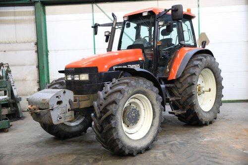Foto van een New Holland TM 165. Geplaatst door FiatNHTM165 op 27-01-2020 om 20:22:46, op TractorFan.nl - de nummer 1 tractor foto website.
