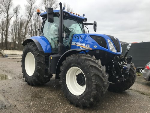 New Holland T 7.210 van gerrit power