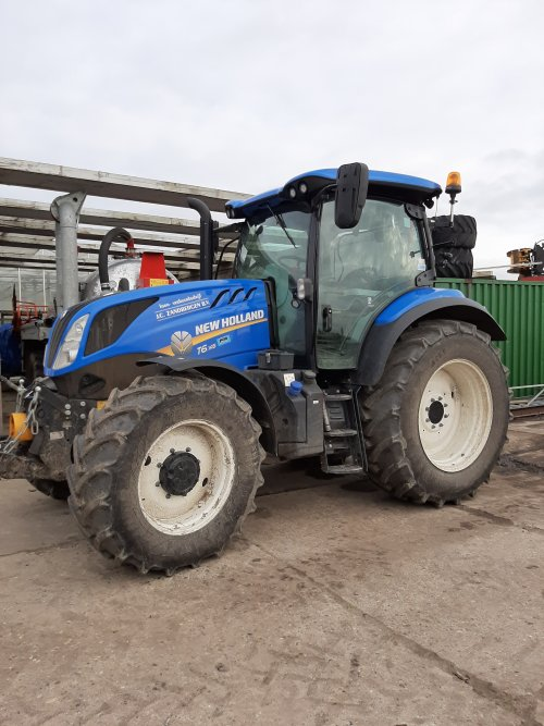New Holland T 6000