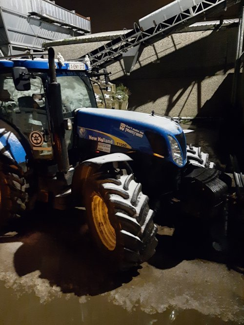 New Holland T 7050 van stijn-de-bock