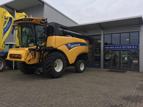 New Holland CX 6.80. Geplaatst door malcon op 08-03-2020 om 16:03:37, op TractorFan.nl - de nummer 1 tractor foto website.