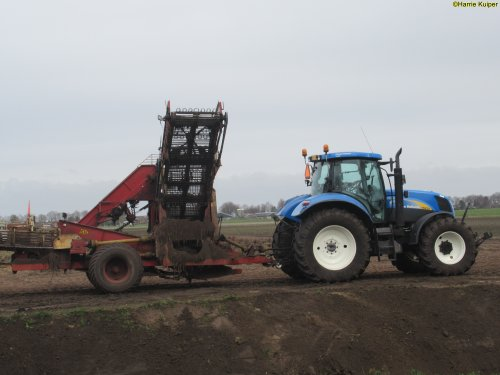 New Holland T 6030 van oldtimergek