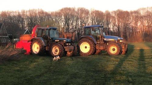 Foto van een New Holland Meerdere aan het hout snipperen. Geplaatst door bernard-vant-klooster op 31-03-2020 om 20:33:20, op TractorFan.nl - de nummer 1 tractor foto website.