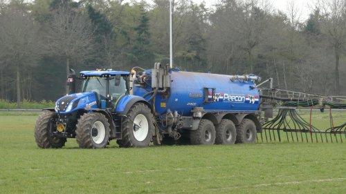 New Holland T 7.290 van XC 70