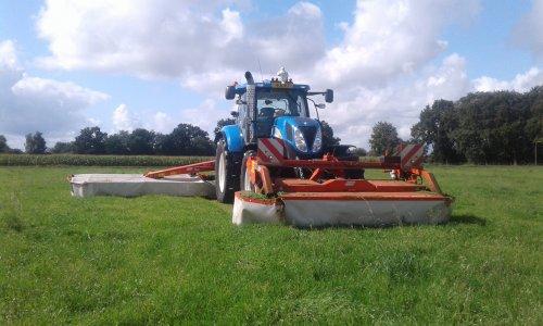 Foto van een New Holland T 6050. Geplaatst door Norelvan1310 op 26-06-2020 om 07:41:42, met 2 reacties.