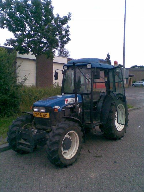 Huifkar ophalen met de TN.... Geplaatst door TurnMeLoose op 16-06-2008 om 18:43:27, op TractorFan.nl - de nummer 1 tractor foto website.