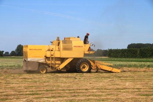 Foto van een New Holland Clayson 1545. Geplaatst door alfredo op 14-07-2020 om 13:17:04, op TractorFan.nl - de nummer 1 tractor foto website.