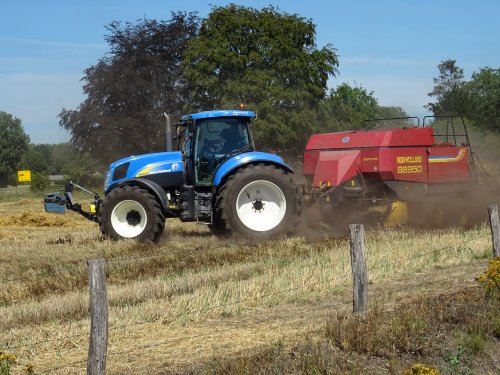 New Holland T 6030 van dickt