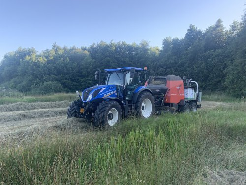 New Holland T 6.145 van bas0011
