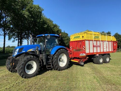 New Holland T 7050 van hermanjohndeere