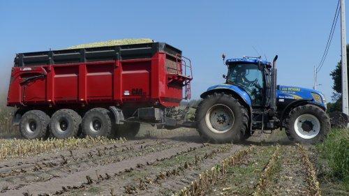 New Holland T 7040 van XC 70