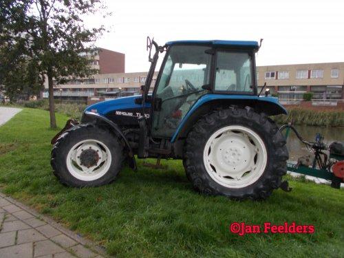 Foto van een New Holland TL 90 , Mooie NH!!!. Geplaatst door Jan F op 13-10-2020 om 18:47:37, op TractorFan.nl - de nummer 1 tractor foto website.