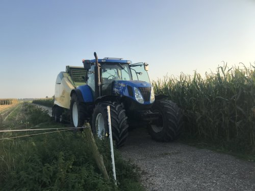 New Holland T 7030 van gerben-esselink