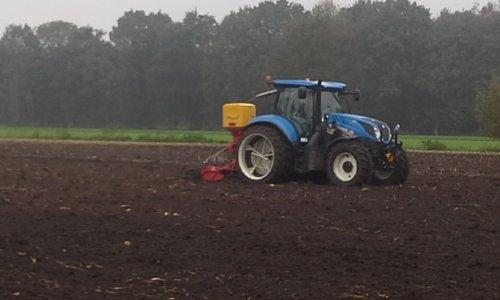 Foto van een New Holland T 6.145. Geplaatst door jeet op 14-02-2021 om 20:47:54, met 2 reacties.