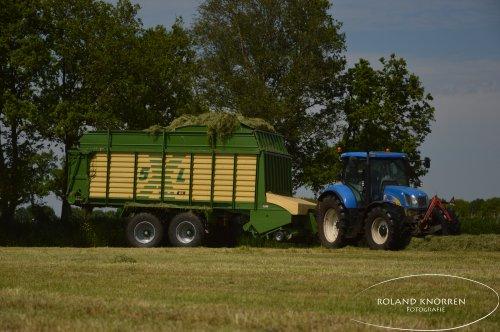 New Holland T 6050  van RolandK