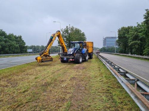 New Holland T 6.180 van fendt308-driver