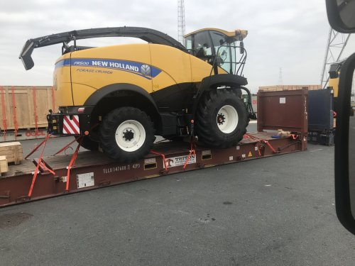 New Holland FR 500 van mf 35x