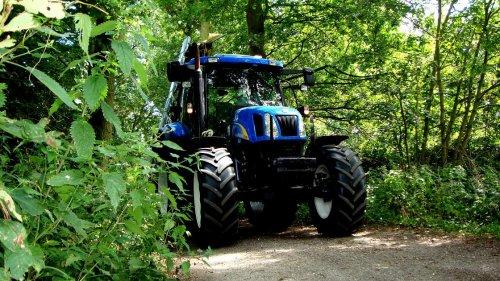 New Holland TS 100 A, maaien 2009.. Geplaatst door Dirkisboertjee op 23-04-2010 om 23:30:28, met 16 reacties.
