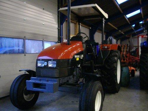 New Holland L 65 van danny_ford